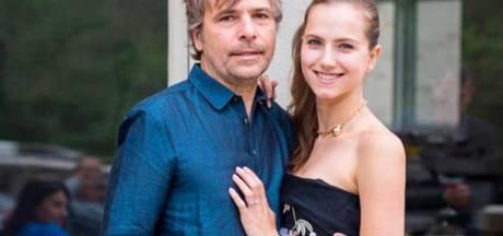 Le couple de millionnaires qui a menti sur son identité pour se faire vacciner n'ira pas en prison