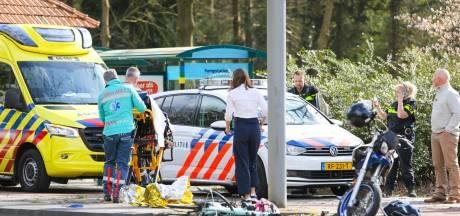 Meisje op fiets raakt gewond bij aanrijding met brommerrijder in Hattem