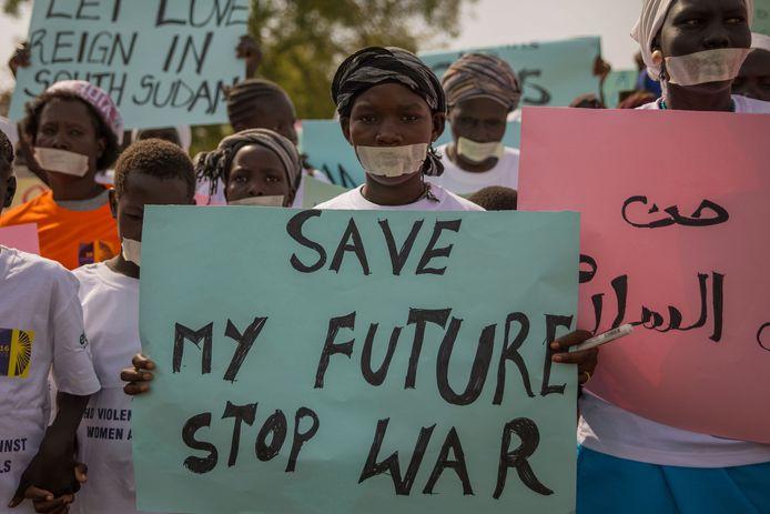 Vrouwen betogen tegen het geweld in Zuid-Soedan in  hoofdstad Juba op 9 december 2017.