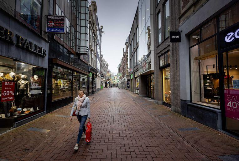 Niet-essentiële winkels, zoals kleding- en schoenenzaken, zijn al sinds 17 december gesloten. Beeld ANP