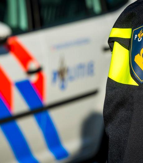 Inbreker valt in slaap in auto huisbewoners en maakt diepvriesvoorraad buit