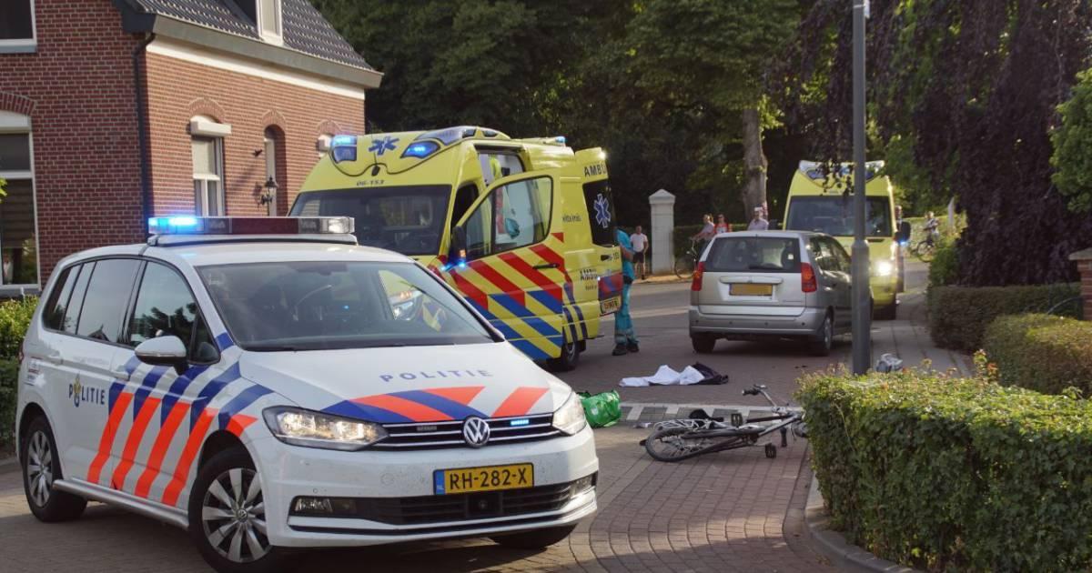 Fietser gewond bij aanrijding in Gendringen, traumahelikopter rukt uit.