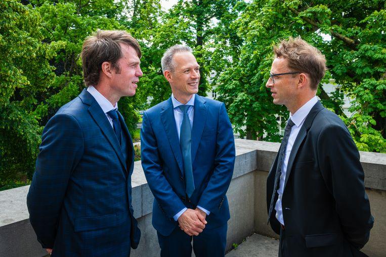 Economen Laurens Cherchye, Bram De Rock en Frederic Vermeulen voerden het onderzoek naar gezinsbeslissingen. Beeld Dann