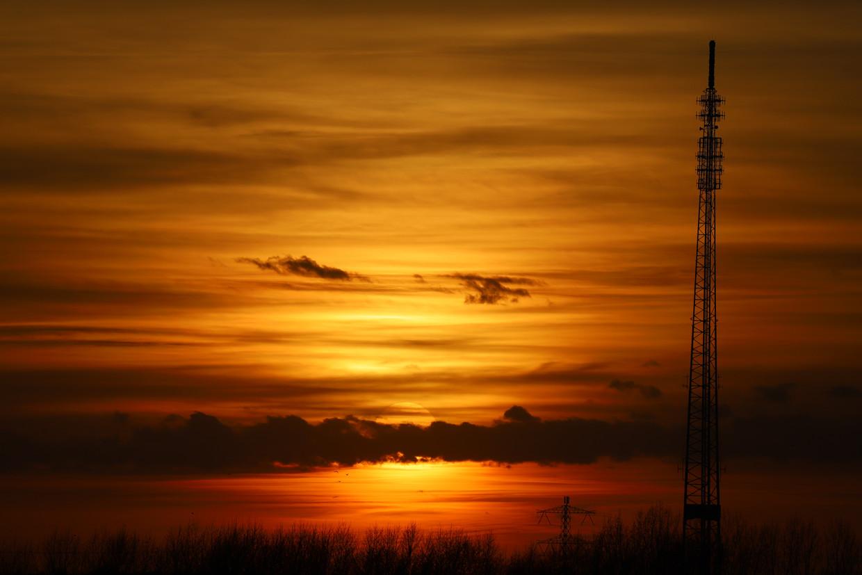 Saharastof daalt vooral neer in het Midden-Oosten en het Caribisch gebied, maar geregeld ook in Europa. Op 23 februari zorgde woestijnstof voor een extra rode zonsondergang in Nederland.