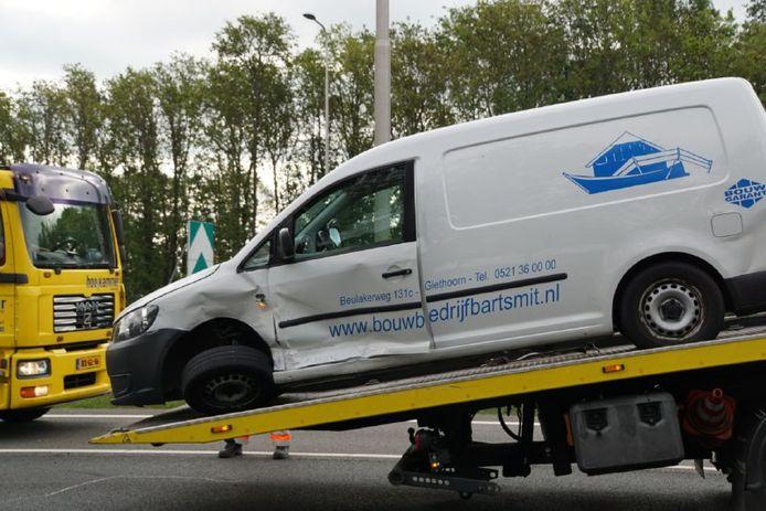 Bij het ongeval op de A28 zijn meerdere voertuigen betrokken.