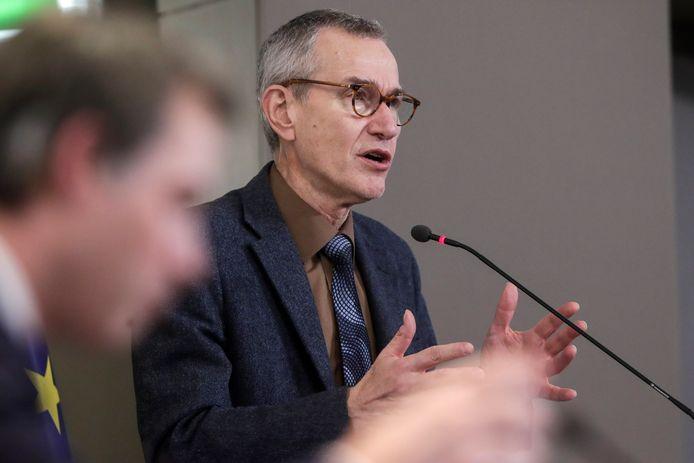 Minister van Volksgezondheid Frank Vandenbroucke (sp.a) vrijdagavond op de persconferentie na het Overlegcomité.