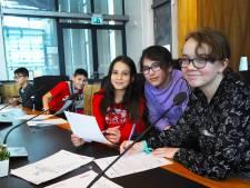 Les in het politieke spel: schoolkinderen in de raadszaal weten het wel