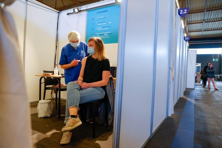 Het vaccinatiecentrum in Gent.  Beeld Photo News