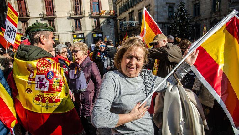 Het Catalaans referendum en de nasleep ervan waren voor veel Spanjaarden dé aanleiding om een vlag aan te schaffen Beeld Hollandse Hoogte / Zuma Press