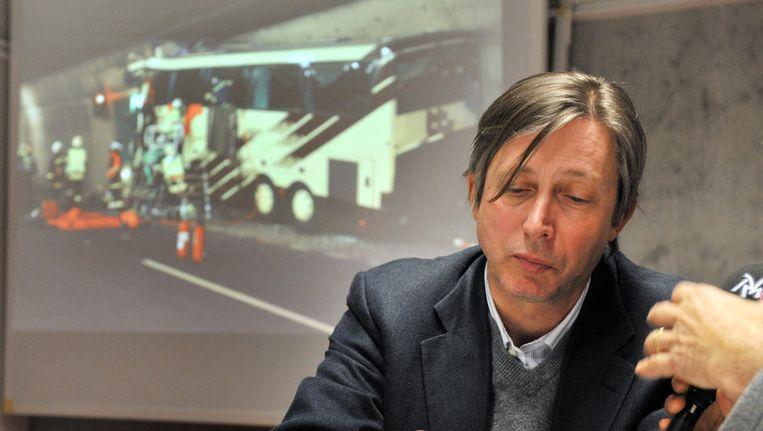 Jan Luykx, de Belgische ambassadeur in Zwitserland, was vanochtend om 5 uur aanwezig op de persconferentie waar het busongeval werd bekendgemaakt.