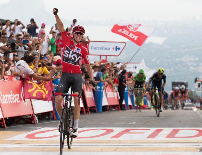 Froome juicht na een ritzege in de laatste Vuelta 2017.