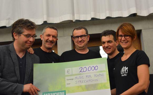 De Merkemse vrienden verzamelden maar liefst 20.000 euro met de vierde editie van Music for Youth.