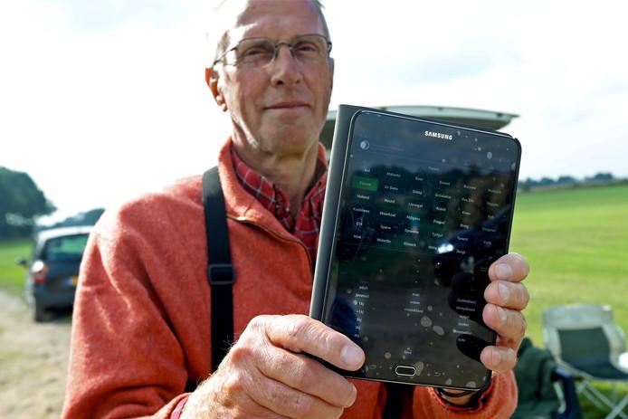 Via een speciale app op de tablet werden de trekvogels geteld.