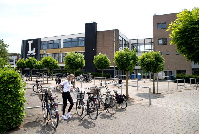 Het gebouw van het Ludger College aan de Vondelstraat in Doetinchem.