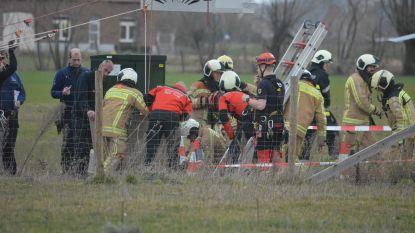 Arbeider (47) valt 5 meter diep in rioolput: klimteam moet man naar boven hijsen