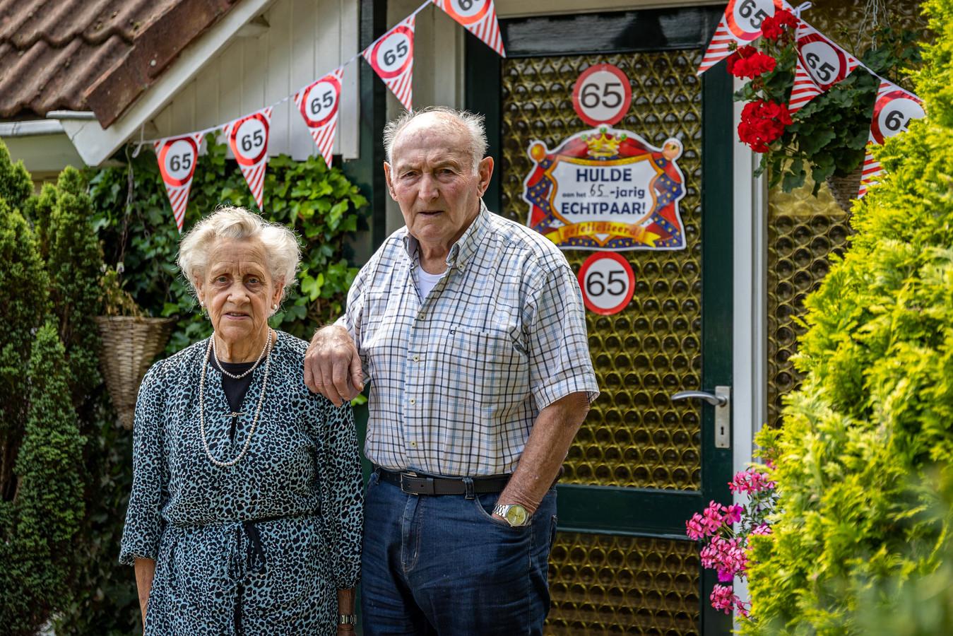 Zondag waren Willem (85) en Dine (87) Schippers 'van de Witmoesdijk' 65 jaar getrouwd.