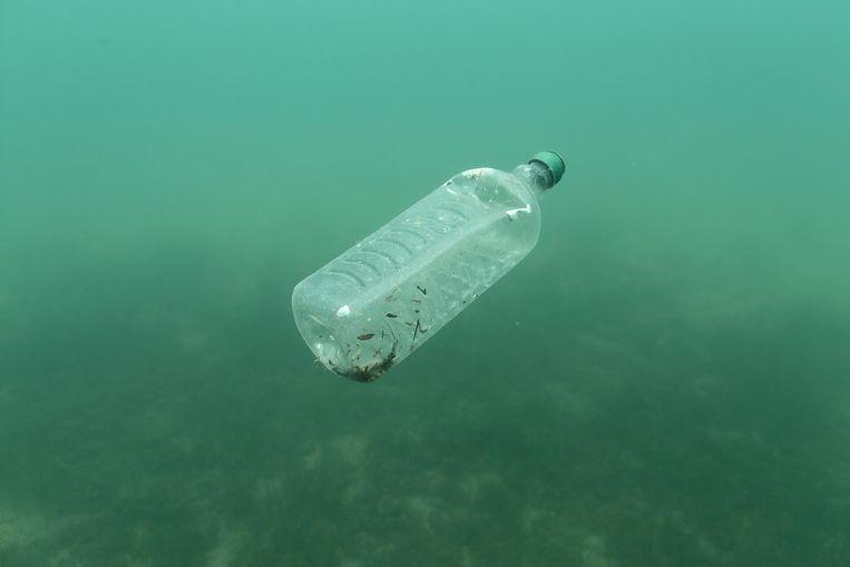 Tussen zestig en tachtig procent van het zwerfvuil in de Middellandse Zee is plastic, blijkt uit nieuw onderzoek. Beeld REUTERS