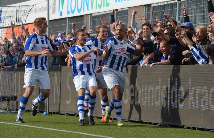 Rafael Uiterloo rechts is de gevierde man bij FC Lienden in het eerste kampioensjaar, 2014/2015.