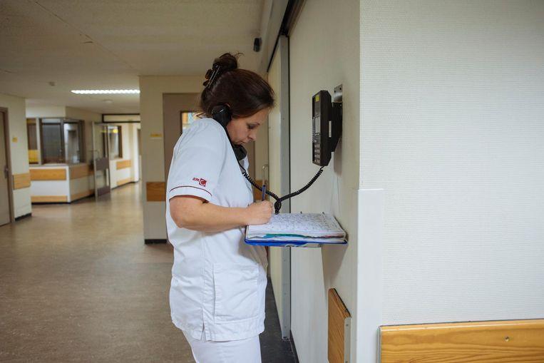 De patiënten blijven zich via het sein maar aandienen, maar het humeur blijft goed en het hoofd koel Beeld Marc Driessen