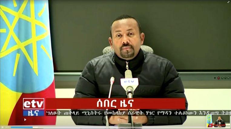 De Ethiopische premier Abiy Ahmed sprak woensdagochtend via televisie zijn land toe. Hij kondigde de inzet van het leger aan in de opstandige provincie Tigray.   Beeld REUTERS