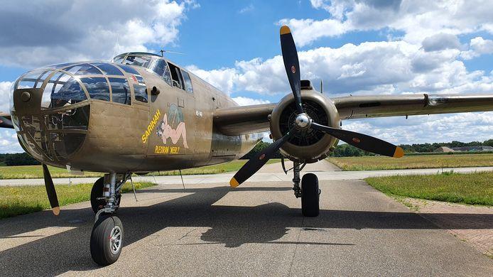De B-25 Mitchell is een van de oude vliegtuigen die Historische Vlucht van de Koninklijke Luchtmacht vliegend houdt.