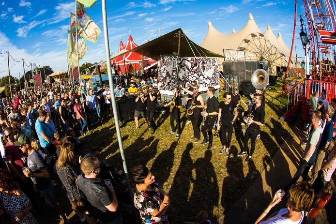 Het Heerlijk Hemelrijk Festival op zondag was dit jaar met 15.000 bezoekers de drukste dag tijdens FestyLand.