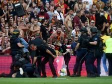 Envahissement de terrain, tifo injurieux: comment le derby entre Lens et Lille a complètement dégénéré