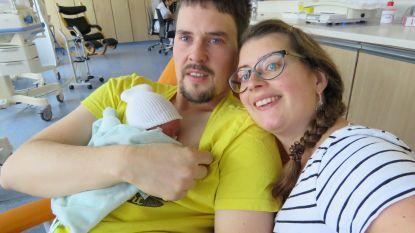 """Koppel verliest camera met foto's van te vroeg geboren zoontje: """"Eindelijk is Tibe thuis en dan gebeurt dit"""""""