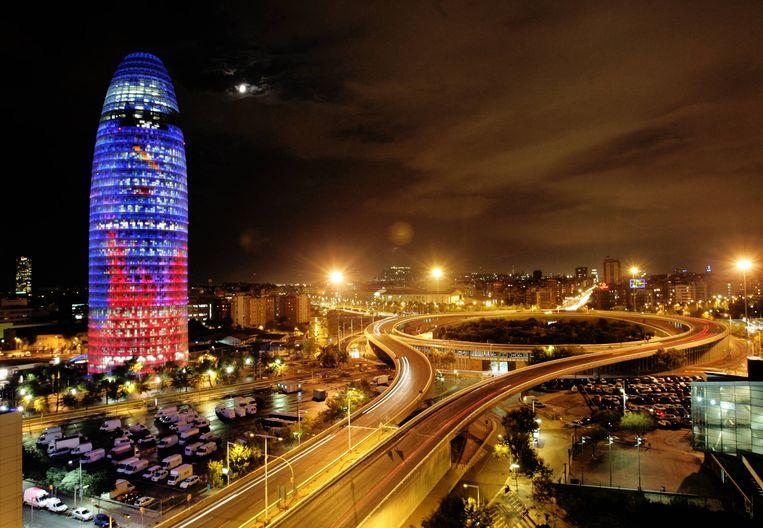 De iconische toren van Facebook in Barcelona. Beeld AFP