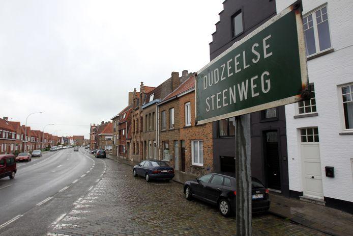 De Dudzeelse Steenweg wordt veiliger voor voetgangers.