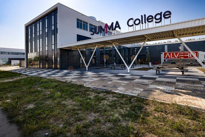 Het Summa College heeft sinds kort ook een vestiging in Helmond, Summa Automotive.