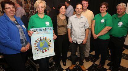 Smile To Me neemt kinderen mee op wereldreis
