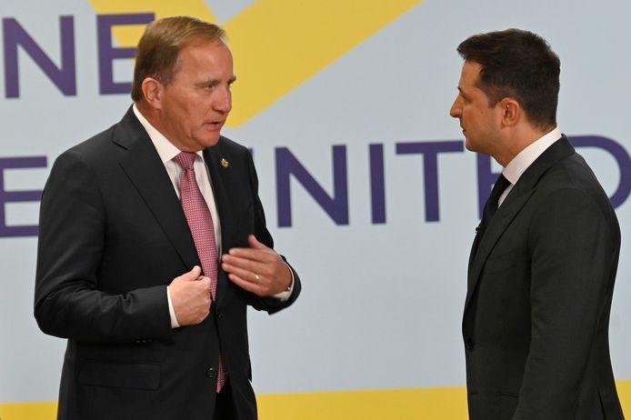 De Oekraïense president Volodimir Zelensky (rechts), hier met de Zweedse premier Stefan Lofven.