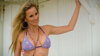 VIDEO: achter de schermen bij hete bikinishoot met Joke Van de Velde