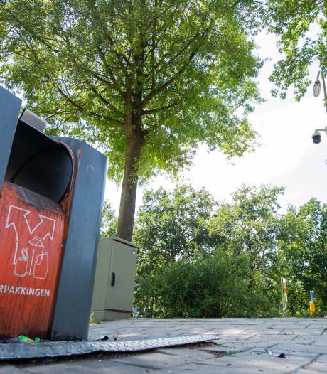 Troep naast de afvalbak gegooid? In Almelo ben je gefilmd en dat kost je minstens 95 euro