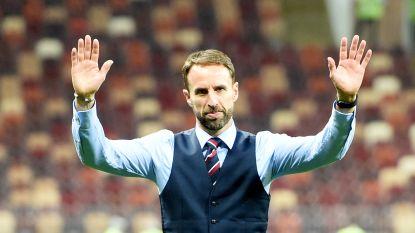 Dat is liefde: Engels bondscoach Southgate komt zingende fans 70 minuten na match nog een keer bedanken