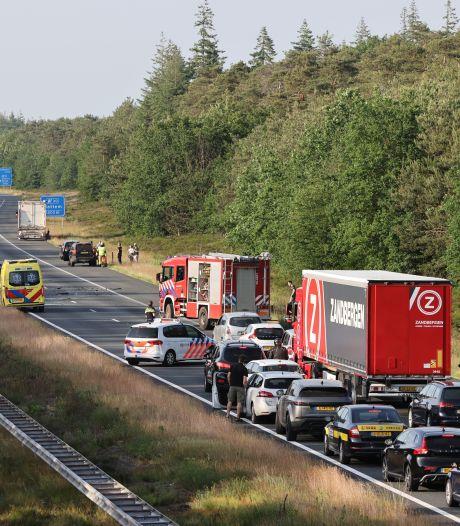 Afsluiting A50 bij Heerde veroorzaakt door twee ongevallen vlak na elkaar