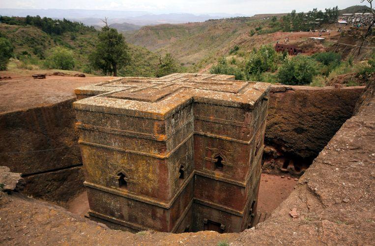 Een van de elf uit rotsen gehouwen kerken in het Ethiopische Lalibela.  Beeld REUTERS