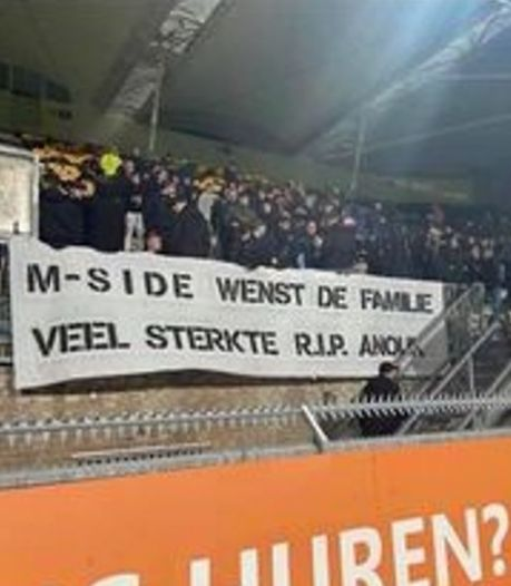 Steunbetuigingen na overlijden van Anouk (20):  herdenkingshoekje op werkplek en spandoek in stadion