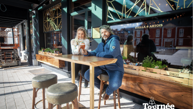 """Op welk terras je kunstenaar Koen Vanmechelen (55) dit weekend zal vinden? """"Bij het Cosmocafé, waar ik eindelijk weer creatieve plannen met anderen kan smeden"""""""