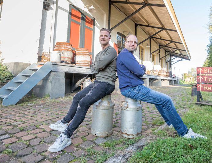 Janick van Megroot en Eric Clement, hier bij de Goederenloods in Goes, zijn de organisatoren van de Fijn-festivals.