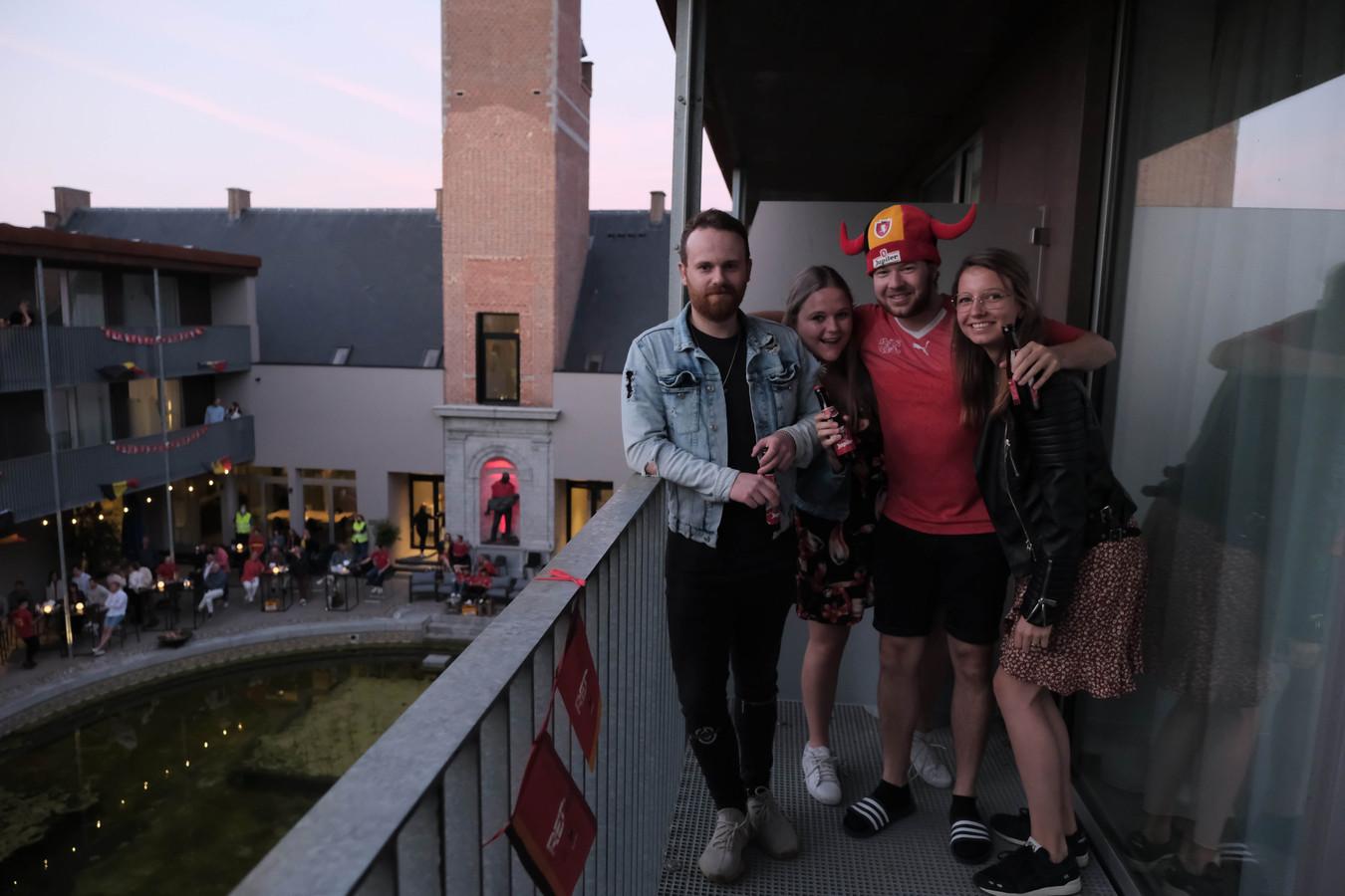 Deze Nederlandsers voelden zich een avondje Belg in hotel Van der Valk