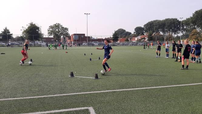 Lisane Lockefeer: 'Voetbalmeiden verdienen meer aandacht'