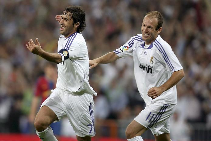 Raúl en Arjen Robben.