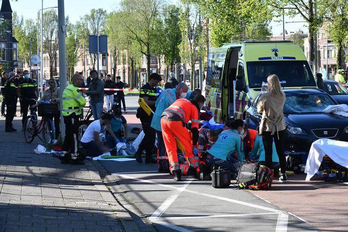 Bij de aanrijding raakten twee mensen gewond.