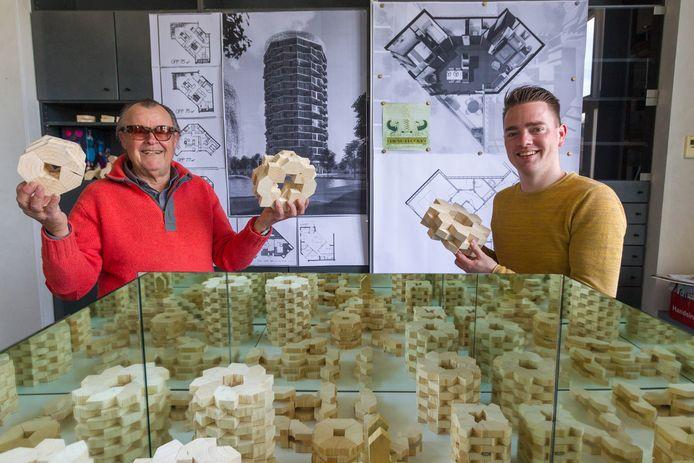 Architecten Peter Heuvelmans (links) uit Lage Mierde en Hidde Engwerda uit Netersel hebben een Living Blocks bedacht, woningen die als Legoblokjes te combineren zijn tot complexen, torens en villa's. Ze doen mee aan de Woonpioniers-wedstrijd van de VPRO.