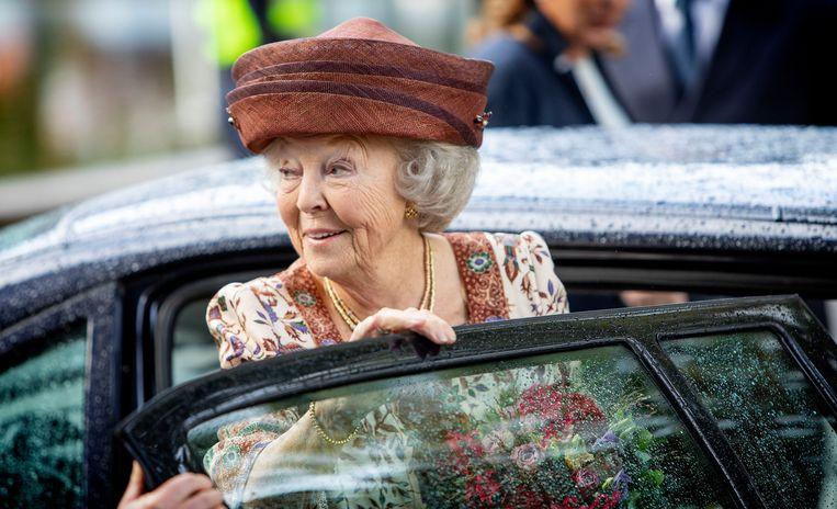 Prinses Beatrix stapt uit de auto. Beeld Brunopress/Patrick van Emst