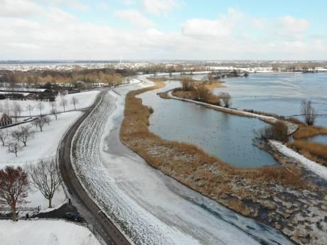 Zo wordt de Lekdijk geïnspecteerd op zwakke plekken bij hoogwater