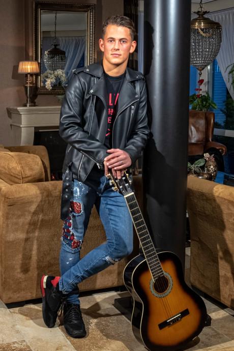 Alphenaar Menno Aben door naar liveshows The Voice Of Holland