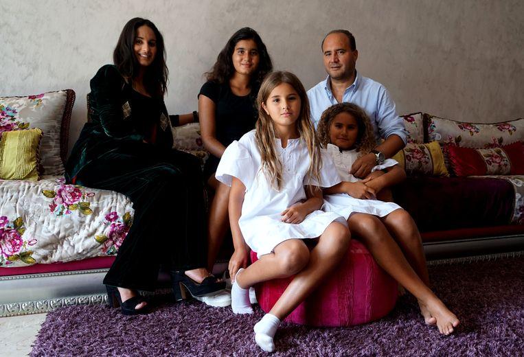 Laila, Moustapha en hun drie kinderen Beeld Dounia Fikri